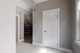 Photo 2: 3611 PARKER Close in Edmonton: Zone 55 House for sale : MLS®# E4208582