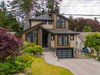 "Photo 2: 12658 15A Avenue in Surrey: Crescent Bch Ocean Pk. House for sale in ""CRESCENT BEACH  - OCEAN PARK"" (South Surrey White Rock)  : MLS®# R2506890"