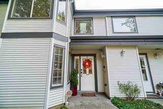 """Photo 2: 47 15840 84 Avenue in Surrey: Fleetwood Tynehead Townhouse for sale in """"Fleetwood Gables"""" : MLS®# R2505704"""