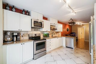 """Photo 19: 47 15840 84 Avenue in Surrey: Fleetwood Tynehead Townhouse for sale in """"Fleetwood Gables"""" : MLS®# R2505704"""