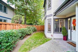 """Photo 3: 47 15840 84 Avenue in Surrey: Fleetwood Tynehead Townhouse for sale in """"Fleetwood Gables"""" : MLS®# R2505704"""