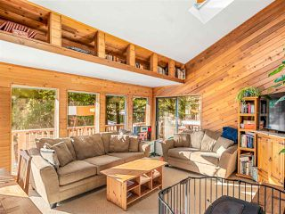 """Photo 2: 8361 VALLEY Drive in Whistler: Alpine Meadows House for sale in """"Alpine Meadows"""" : MLS®# R2522011"""