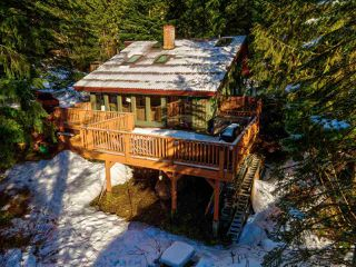 """Photo 37: 8361 VALLEY Drive in Whistler: Alpine Meadows House for sale in """"Alpine Meadows"""" : MLS®# R2522011"""