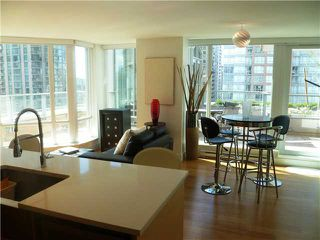 "Photo 7: 901 565 SMITHE Street in Vancouver: Downtown VW Condo for sale in ""VITA"" (Vancouver West)  : MLS®# V878275"