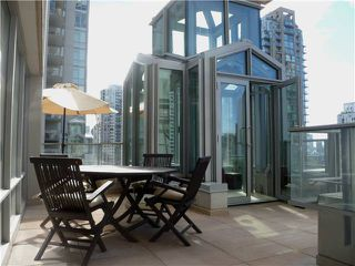 "Photo 1: 901 565 SMITHE Street in Vancouver: Downtown VW Condo for sale in ""VITA"" (Vancouver West)  : MLS®# V878275"