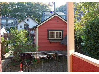 """Photo 2: 956 W 21ST Avenue in Vancouver: Cambie House for sale in """"CAMBIE VILLAGE"""" (Vancouver West)  : MLS®# V1033057"""