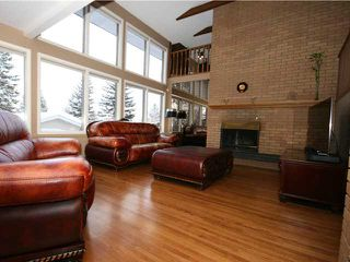 Photo 11: 86 SNOWDON Crescent SW in CALGARY: Southwood Residential Detached Single Family for sale (Calgary)  : MLS®# C3596739