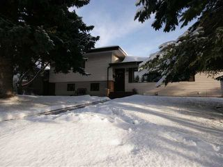 Photo 20: 86 SNOWDON Crescent SW in CALGARY: Southwood Residential Detached Single Family for sale (Calgary)  : MLS®# C3596739