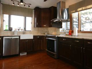 Photo 4: 86 SNOWDON Crescent SW in CALGARY: Southwood Residential Detached Single Family for sale (Calgary)  : MLS®# C3596739