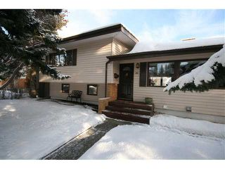 Photo 1: 86 SNOWDON Crescent SW in CALGARY: Southwood Residential Detached Single Family for sale (Calgary)  : MLS®# C3596739
