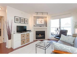 """Main Photo: 403 789 W 16TH Avenue in Vancouver: Fairview VW Condo for sale in """"SIXTEEN WILLOWS"""" (Vancouver West)  : MLS®# V1106824"""