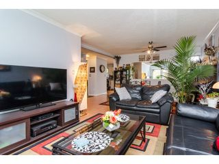 Photo 5: 2449 WAYBURNE Crescent in Langley: Willoughby Heights House for sale : MLS®# F1437139