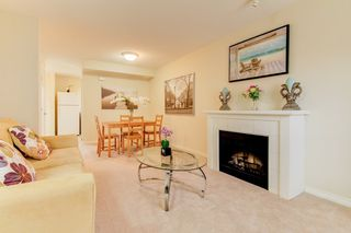 Photo 4: 2 14855 100 Avenue in Surrey: Guildford Townhouse for sale (North Surrey)  : MLS®# R2146975