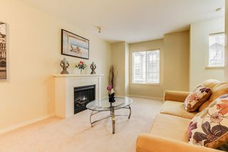 Photo 3: 2 14855 100 Avenue in Surrey: Guildford Townhouse for sale (North Surrey)  : MLS®# R2146975