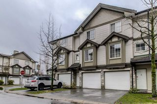 Photo 2: 2 14855 100 Avenue in Surrey: Guildford Townhouse for sale (North Surrey)  : MLS®# R2146975