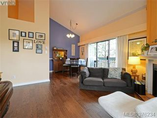 Photo 3: 405 3277 Quadra St in VICTORIA: SE Maplewood Condo for sale (Saanich East)  : MLS®# 755270