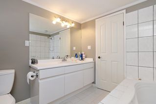 """Photo 12: 5710 WESTPORT Wynd in West Vancouver: Eagle Harbour House for sale in """"Eagle Harbour"""" : MLS®# R2163989"""