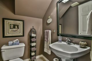 "Photo 14: 13 17917 68 Avenue in Surrey: Cloverdale BC Townhouse for sale in ""WEYBRIDGE LANE"" (Cloverdale)  : MLS®# R2170023"