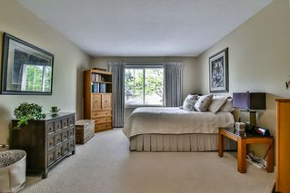 "Photo 15: 13 17917 68 Avenue in Surrey: Cloverdale BC Townhouse for sale in ""WEYBRIDGE LANE"" (Cloverdale)  : MLS®# R2170023"