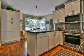 "Photo 7: 13 17917 68 Avenue in Surrey: Cloverdale BC Townhouse for sale in ""WEYBRIDGE LANE"" (Cloverdale)  : MLS®# R2170023"