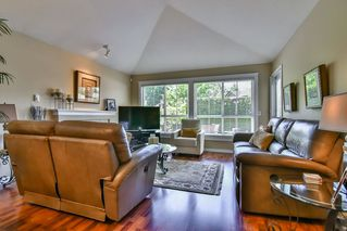 "Photo 5: 13 17917 68 Avenue in Surrey: Cloverdale BC Townhouse for sale in ""WEYBRIDGE LANE"" (Cloverdale)  : MLS®# R2170023"