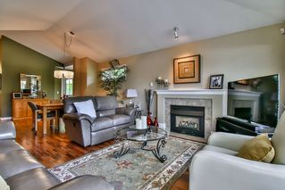 "Photo 6: 13 17917 68 Avenue in Surrey: Cloverdale BC Townhouse for sale in ""WEYBRIDGE LANE"" (Cloverdale)  : MLS®# R2170023"