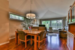 "Photo 3: 13 17917 68 Avenue in Surrey: Cloverdale BC Townhouse for sale in ""WEYBRIDGE LANE"" (Cloverdale)  : MLS®# R2170023"