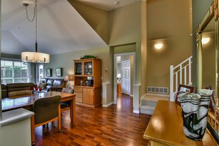 "Photo 2: 13 17917 68 Avenue in Surrey: Cloverdale BC Townhouse for sale in ""WEYBRIDGE LANE"" (Cloverdale)  : MLS®# R2170023"
