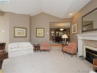 Photo 5: 2273 Sage Lane in VICTORIA: SE Arbutus Single Family Detached for sale (Saanich East)  : MLS®# 379131