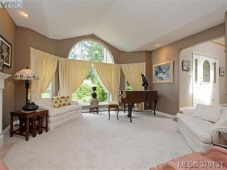 Photo 4: 2273 Sage Lane in VICTORIA: SE Arbutus Single Family Detached for sale (Saanich East)  : MLS®# 379131