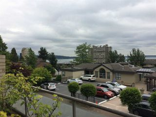 "Photo 2: 203 2408 HAYWOOD Avenue in West Vancouver: Dundarave Condo for sale in ""Regency Place"" : MLS®# R2177585"