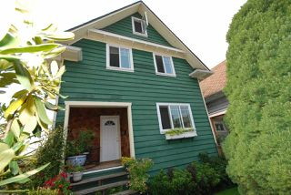 Photo 1: 1921 LAKEWOOD DRIVE in Vancouver: Grandview VE House for sale (Vancouver East)  : MLS®# R2195198