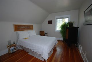 Photo 16: 1921 LAKEWOOD DRIVE in Vancouver: Grandview VE House for sale (Vancouver East)  : MLS®# R2195198