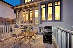 Photo 2: 6425 WINDSOR Street in Vancouver: Fraser VE House for sale (Vancouver East)  : MLS®# R2203900