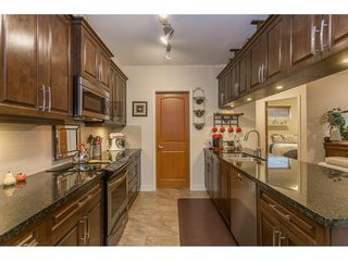 "Photo 3: 118 11887 BURNETT Street in Maple Ridge: East Central Condo for sale in ""WELLINGTON STATION"" : MLS®# R2213469"