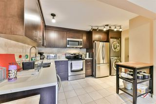 "Photo 4: 815 WESTVIEW Crescent in North Vancouver: Upper Lonsdale Townhouse for sale in ""Cypress Gardens"" : MLS®# R2214681"