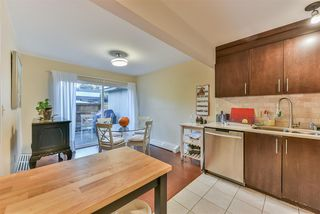 "Photo 6: 815 WESTVIEW Crescent in North Vancouver: Upper Lonsdale Townhouse for sale in ""Cypress Gardens"" : MLS®# R2214681"