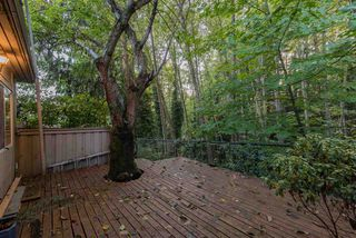 "Photo 18: 815 WESTVIEW Crescent in North Vancouver: Upper Lonsdale Townhouse for sale in ""Cypress Gardens"" : MLS®# R2214681"