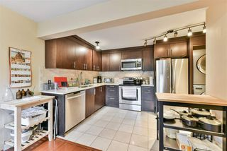 "Photo 5: 815 WESTVIEW Crescent in North Vancouver: Upper Lonsdale Townhouse for sale in ""Cypress Gardens"" : MLS®# R2214681"