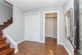 Photo 2: 627 Vanalman Ave in VICTORIA: SW Northridge House for sale (Saanich West)  : MLS®# 773325