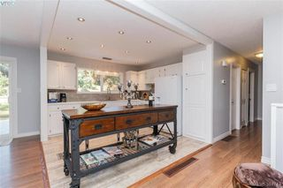 Photo 6: 627 Vanalman Ave in VICTORIA: SW Northridge House for sale (Saanich West)  : MLS®# 773325