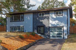 Photo 1: 627 Vanalman Ave in VICTORIA: SW Northridge House for sale (Saanich West)  : MLS®# 773325