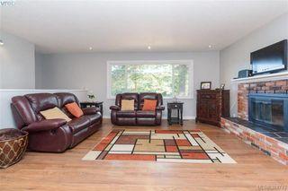 Photo 3: 627 Vanalman Ave in VICTORIA: SW Northridge House for sale (Saanich West)  : MLS®# 773325
