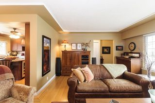 Photo 5: 3811 ROYALMORE Avenue in Richmond: Seafair House for sale : MLS®# R2244352