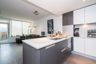 Photo 2: 216 288 W 1ST AVENUE in Vancouver: False Creek Condo for sale (Vancouver West)  : MLS®# R2166069
