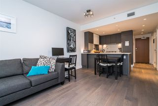 Photo 4: 216 288 W 1ST AVENUE in Vancouver: False Creek Condo for sale (Vancouver West)  : MLS®# R2166069