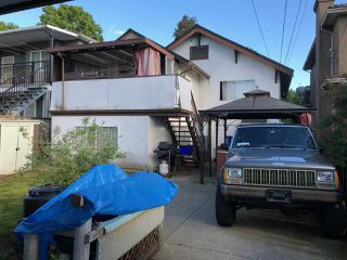 Photo 3: 2691 GRANT Street in Vancouver: Renfrew VE House for sale (Vancouver East)  : MLS®# R2293083