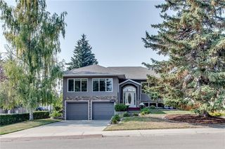 Main Photo: 3240 UPLANDS Place NW in Calgary: University Heights Detached for sale : MLS®# C4204457
