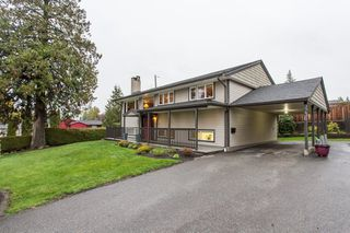 Photo 1: 9736 CROWN Crescent in Surrey: Royal Heights House for sale (North Surrey)  : MLS®# R2320892
