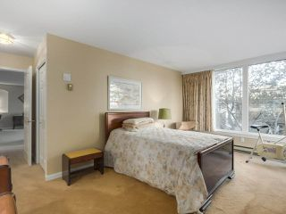 "Photo 15: 302 5425 YEW Street in Vancouver: Kerrisdale Condo for sale in ""The Belmont"" (Vancouver West)  : MLS®# R2337022"